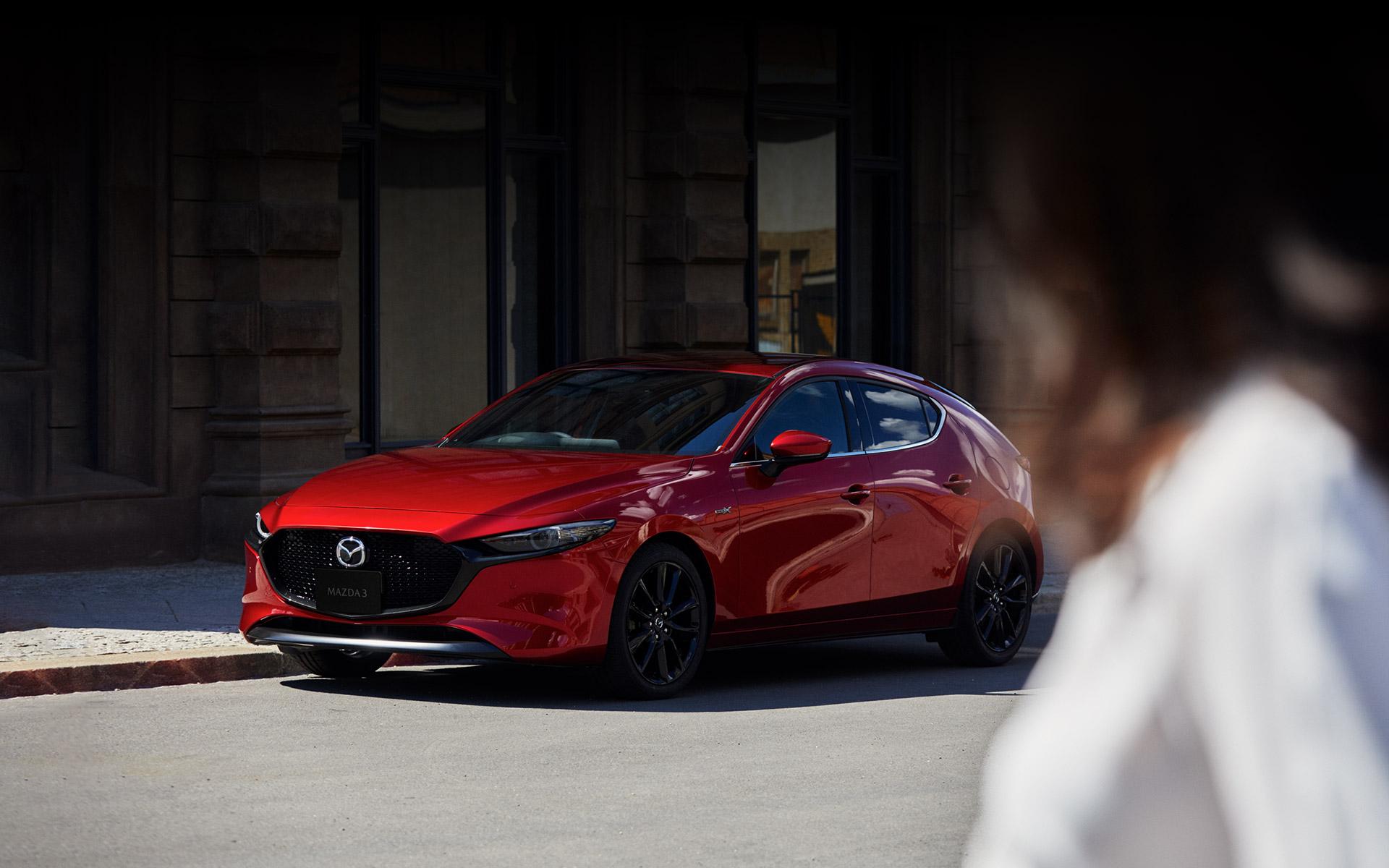 Mazda3 5ドアスポーツ ハッチバック ファストバック 4ドアセダン マツダ